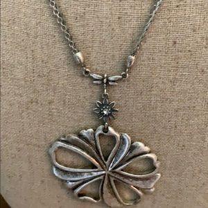 Jewelry - NECKLACE Loop 5X 🎶